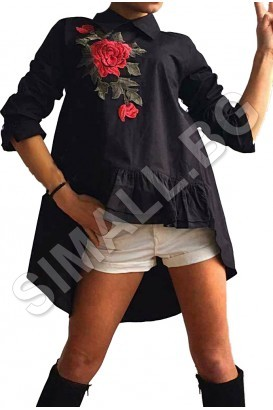Ladies shirt with embroidery in black and white