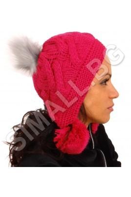Дамска плетена шапка с помпони в цикламен цвят