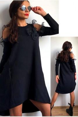 Дамска рокля с голи рамене и тюлени елементи