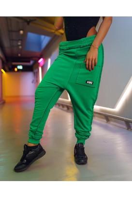 Pantalonii lui Betty