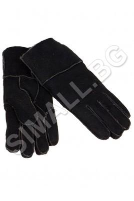 Дамски ръкавица изработена от висококачествена естествена кожа и мек хастар.